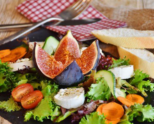Meran Trattoria Gasthaus günstig Essen Käse Salat